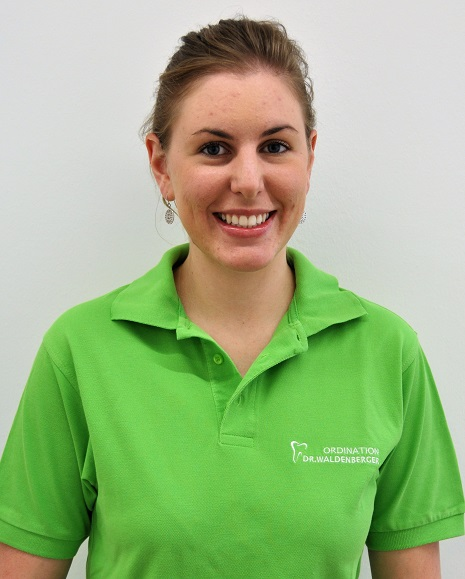 Dipl. zahnärztliche Assistentin Carolina